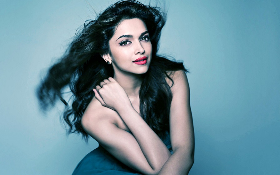 5 Looks of Deepika Padukone which arrested us in her charm ...