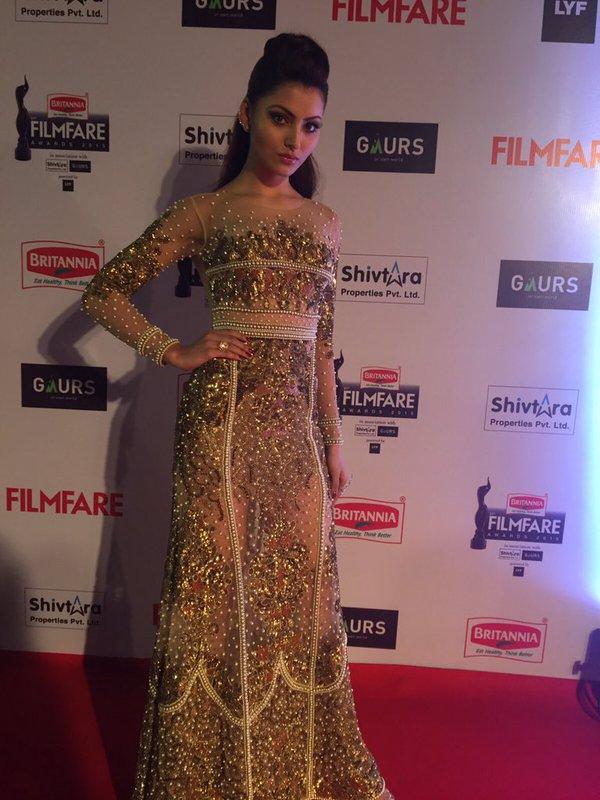 Urvashi Rautela in 2016 Filmfare Awards