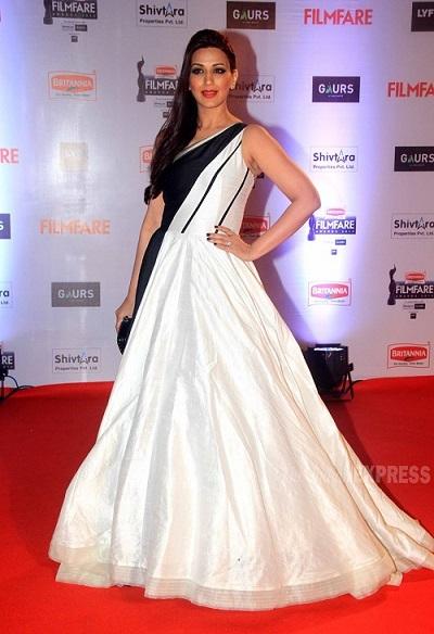 Sonali Bendre in 2016 Filmfare Awards