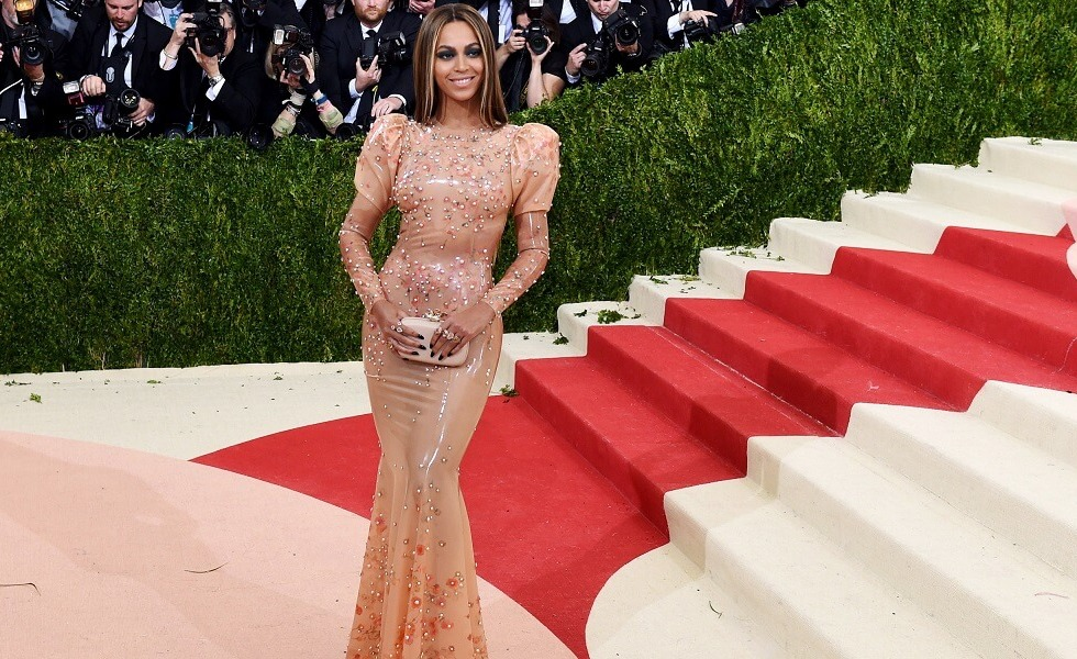 Women: Gorgeous Beauties from the Red Carpet of MET Gala 2016